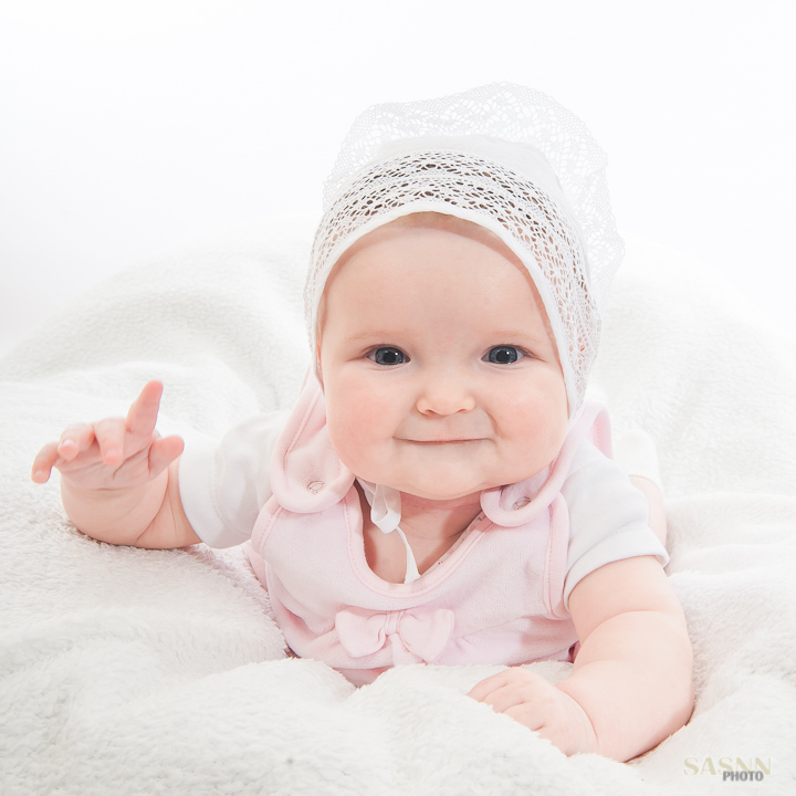 62ee5f911273a Baby photography. Studio photo session with Katerina at 5 months ...