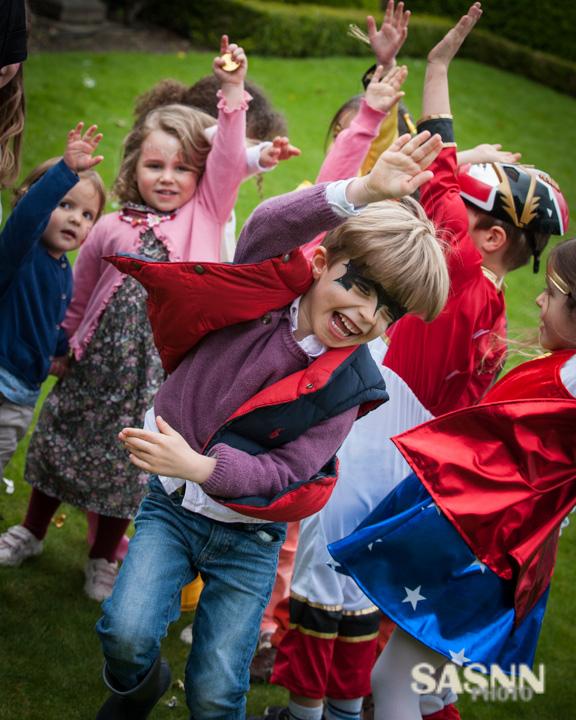 sasnn-photo-children-birthday-surrey-270414-slr-207