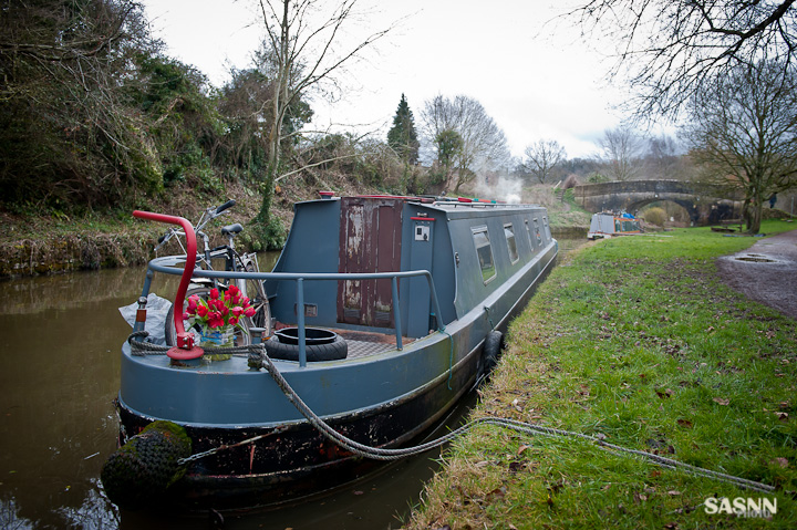 Narrow boat near Avoncliff